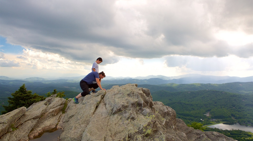 Grandfather Mountain featuring landscape views, tranquil scenes and climbing
