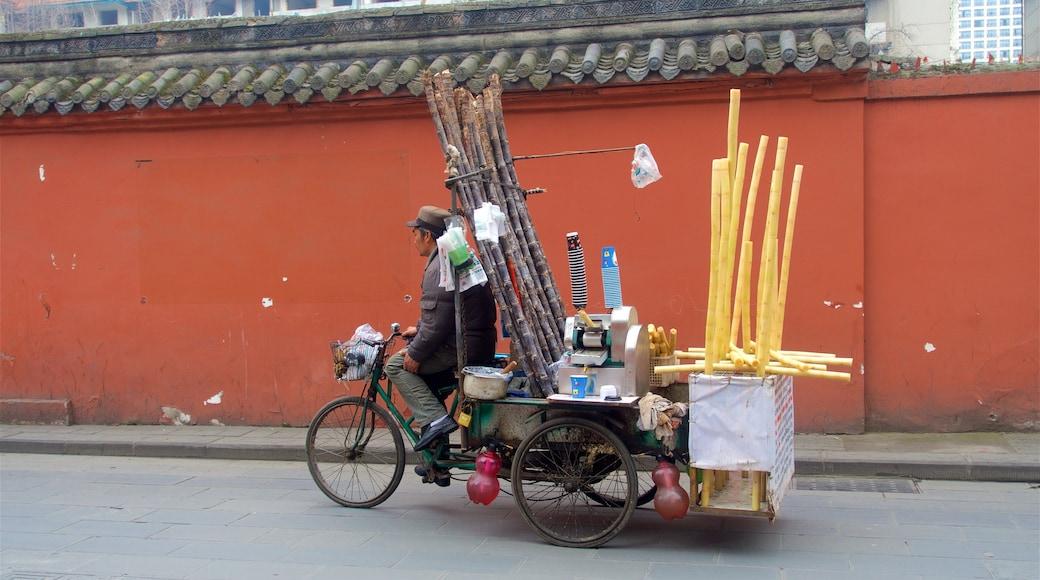 Chengdu que incluye ciclismo de carretera y también un hombre