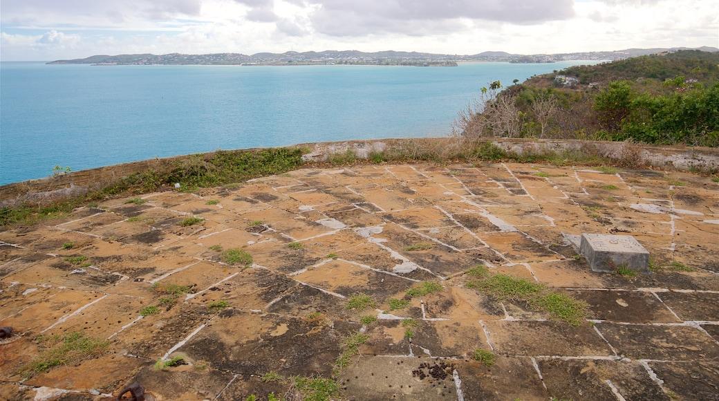 Fort Barrington som viser kyst og utsikt