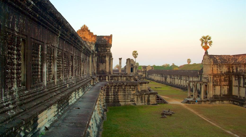 吳哥窟 设有 廟宇或禮拜堂, 傳統元素 和 夕陽