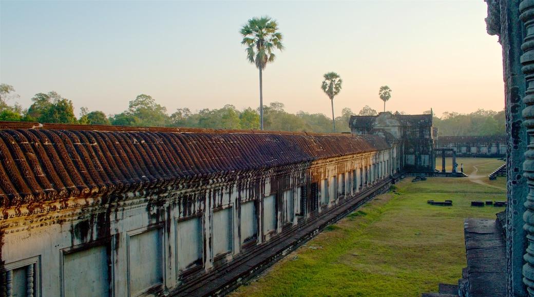 吳哥窟 其中包括 夕陽, 傳統元素 和 廟宇或禮拜堂