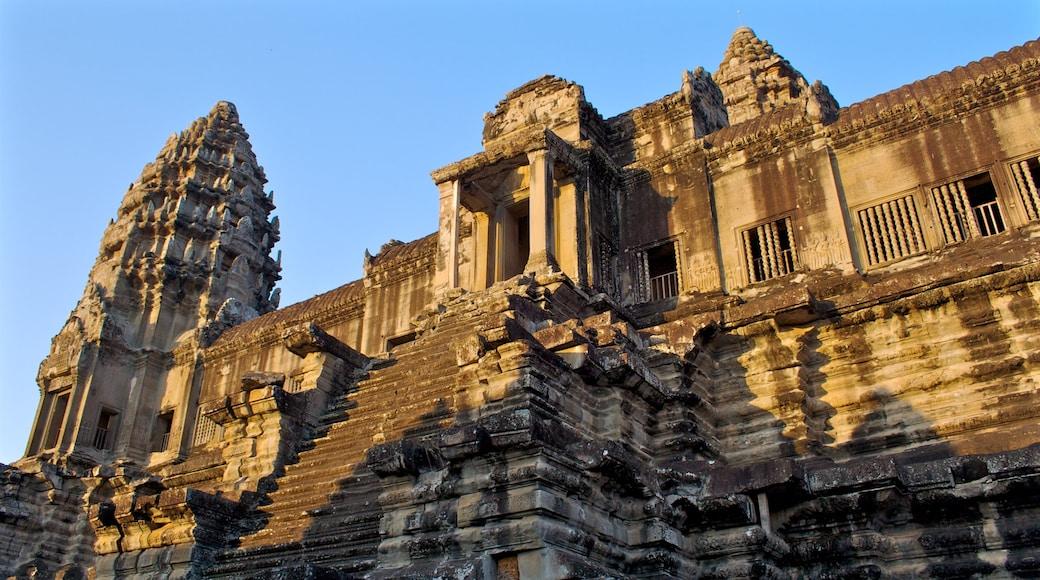 吳哥窟 呈现出 歷史建築 和 廟宇或禮拜堂