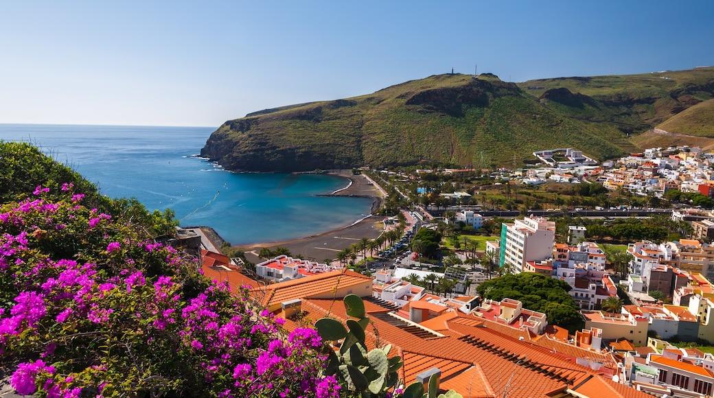 La Gomera que incluye una localidad costera, vistas de una costa y vistas panorámicas