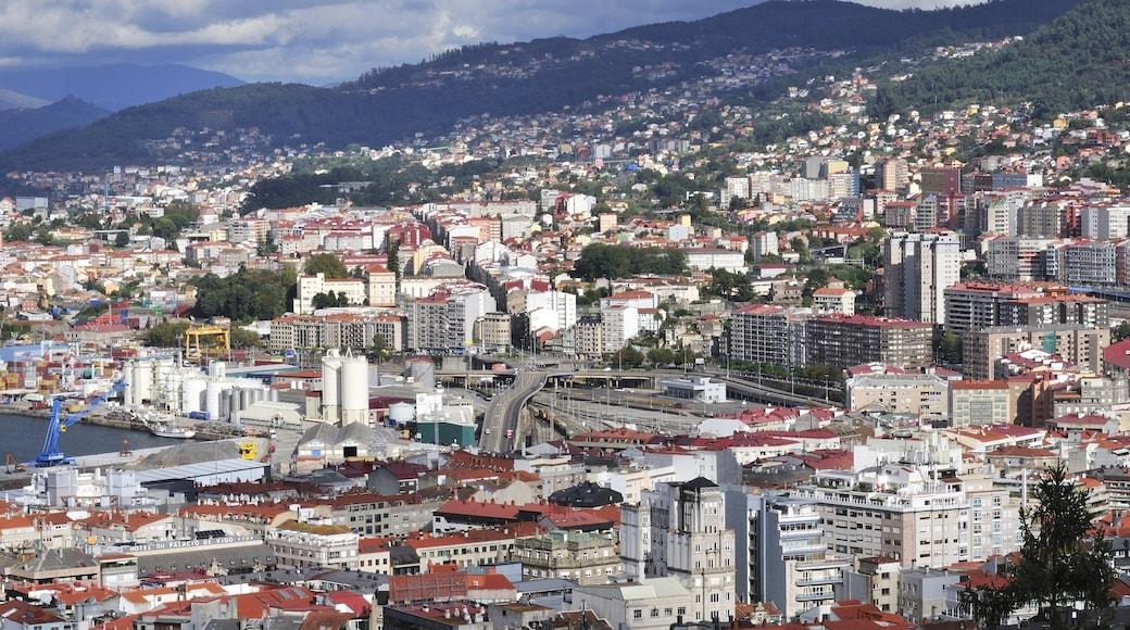 Vigo que incluye vistas panorámicas, una ciudad y situaciones tranquilas