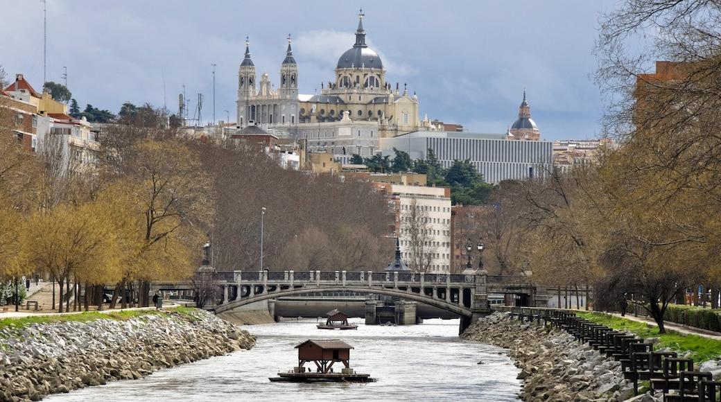Manzanares showing a city, a river or creek and a bridge