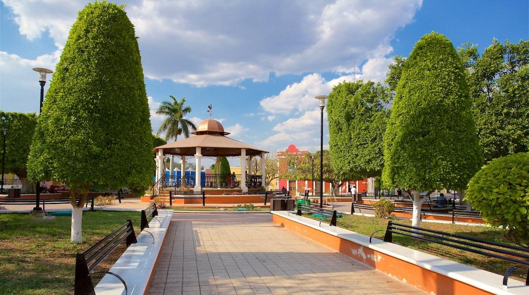 Hopelchén que incluye un parque