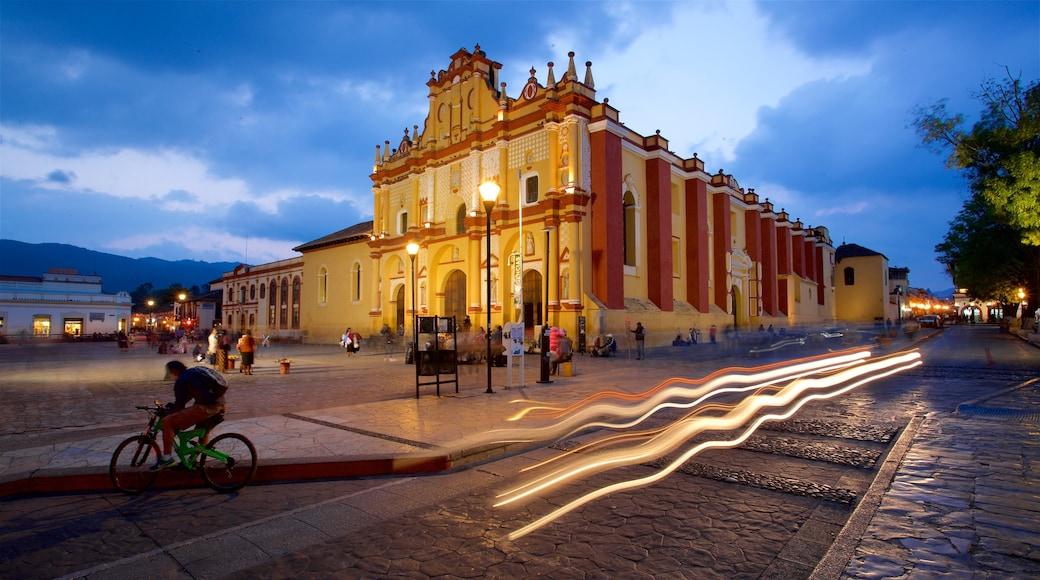 San Cristobal de las Casas Cathedral featuring heritage architecture and night scenes