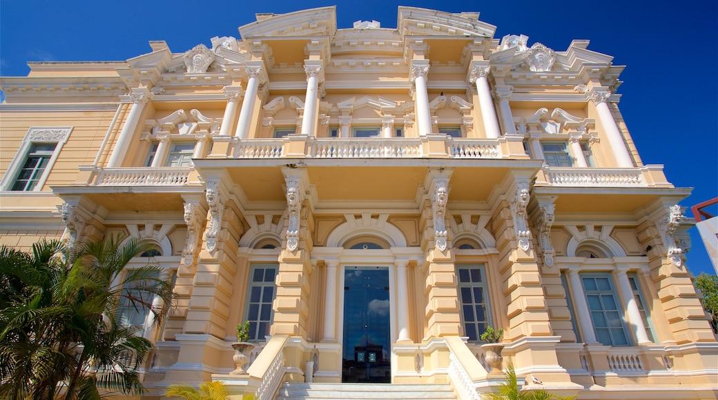 Museo de Antropología e Historia que incluye patrimonio de arquitectura