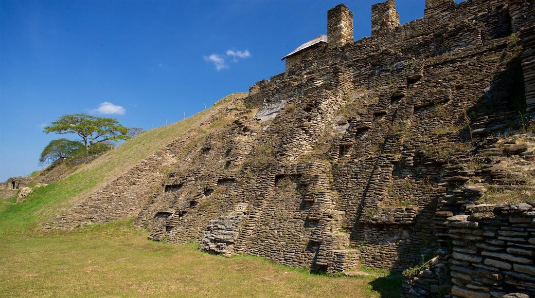 Tonina showing heritage architecture
