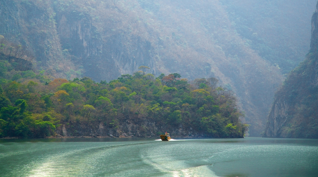 Canon del Sumidero National Park featuring boating, a river or creek and a gorge or canyon