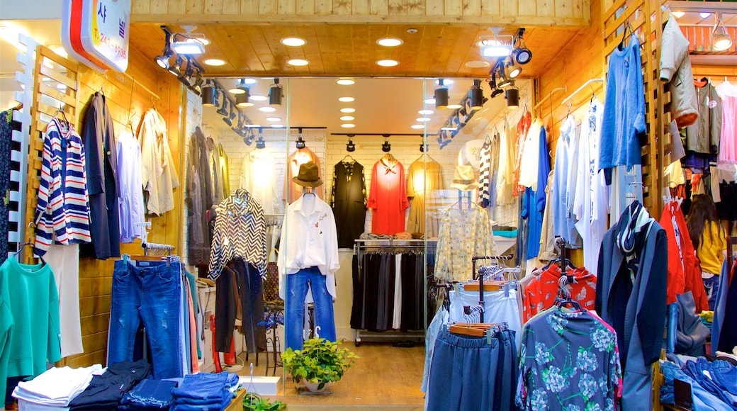Gukje Market which includes shopping