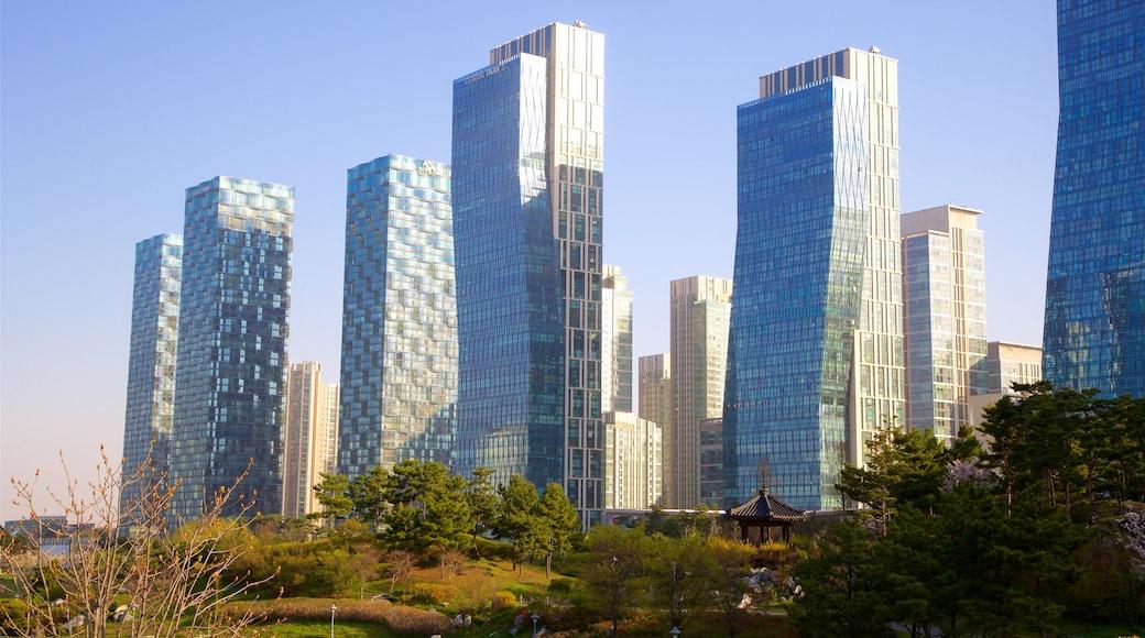 松島中央公園 其中包括 高樓大廈, 夕陽 和 城市