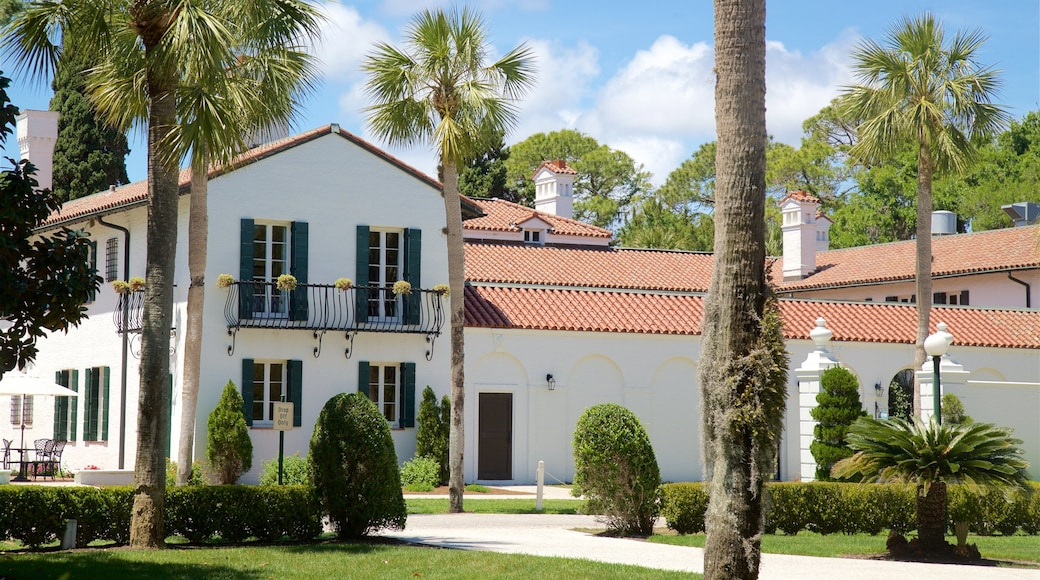 Jekyll Island featuring a house