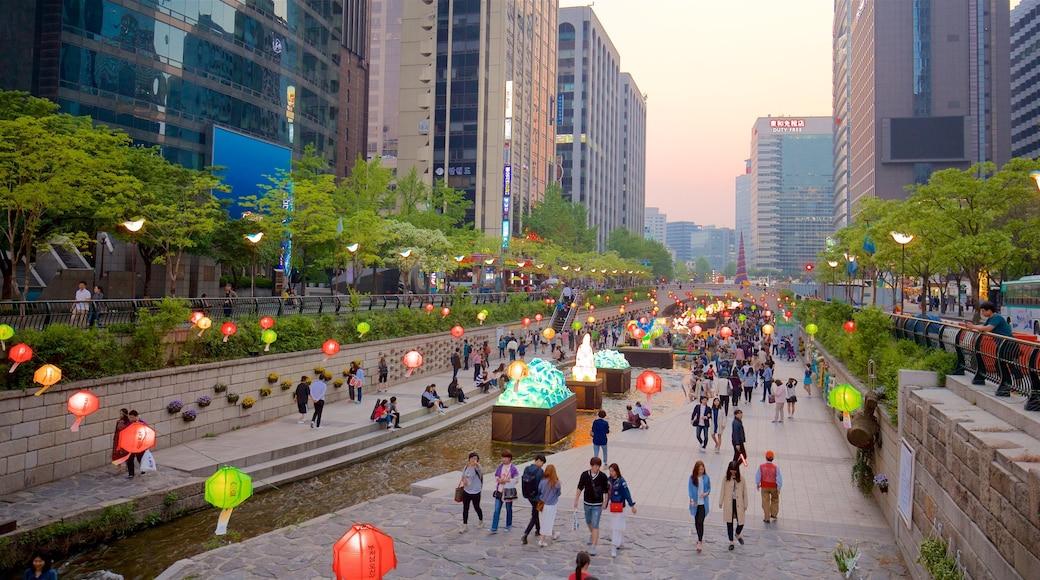 ชองเกชอน แสดง สวน, พระอาทิตย์ตก และ เมือง