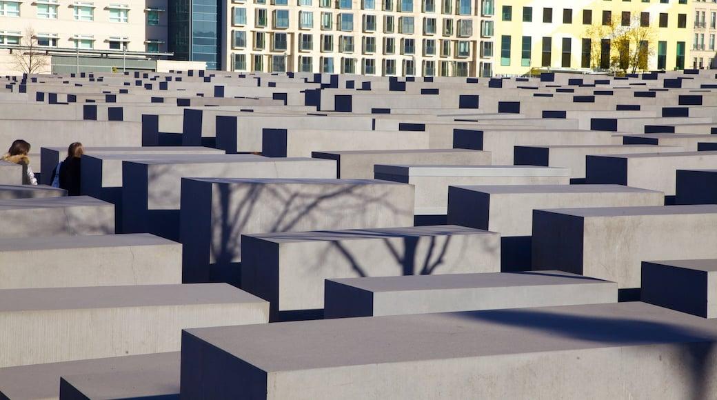 Mémorial aux Juifs assassinés d\'Europe montrant mémorial