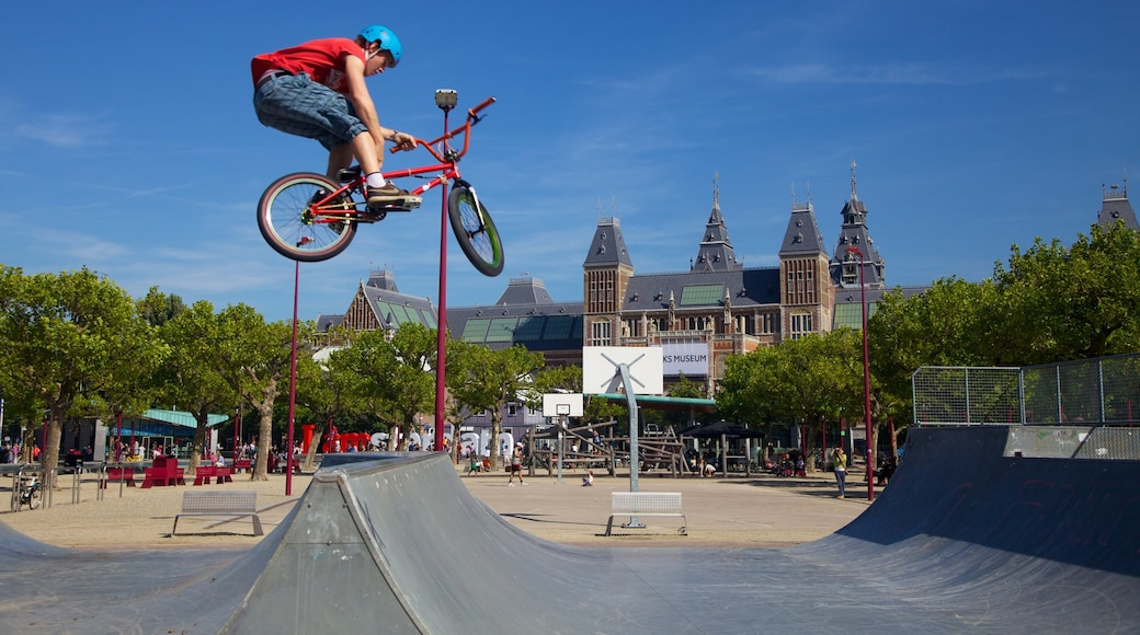 Amsterdam featuring road cycling, cycling and a sporting event