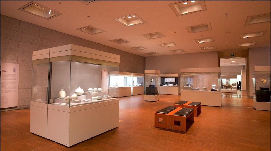 พิพิธภัณฑ์แห่งชาติเกาหลี ซึ่งรวมถึง การตกแต่งภายใน