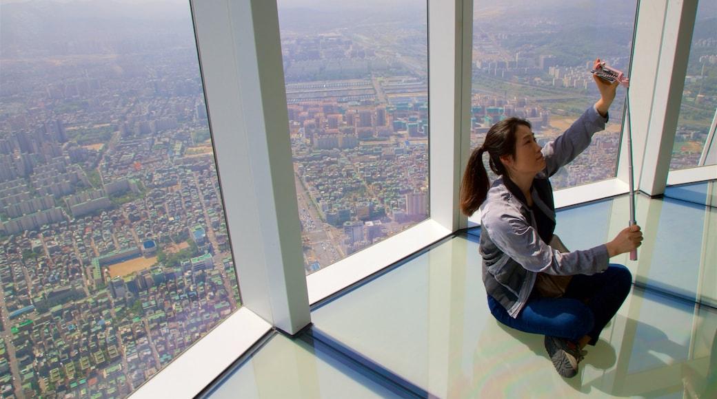 롯데월드타워 을 특징 전경, 일몰 과 실내 전경