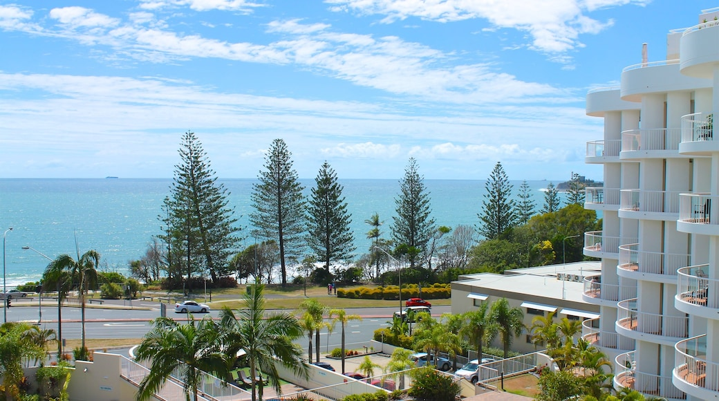 Mooloolaba which includes a coastal town and general coastal views