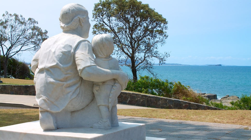 Mooloolaba showing general coastal views and a statue or sculpture