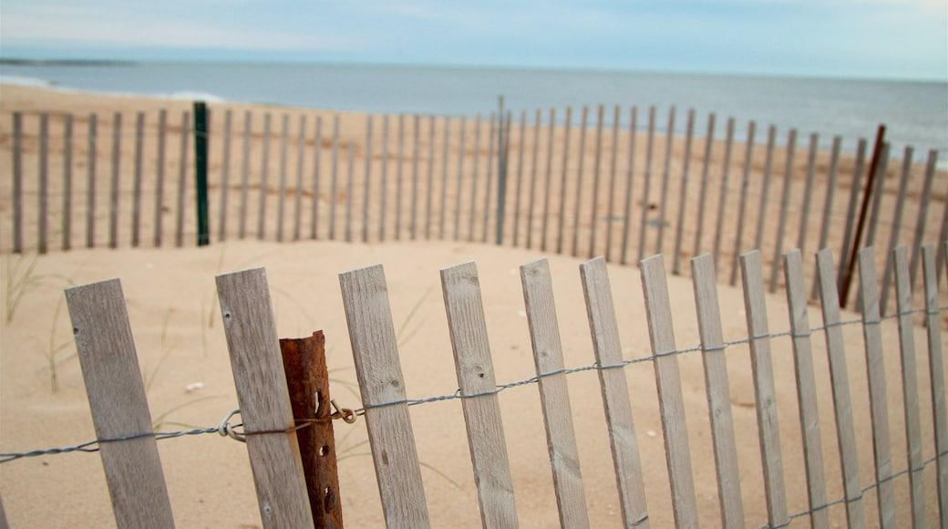 Sunset Beach showing general coastal views and a sandy beach