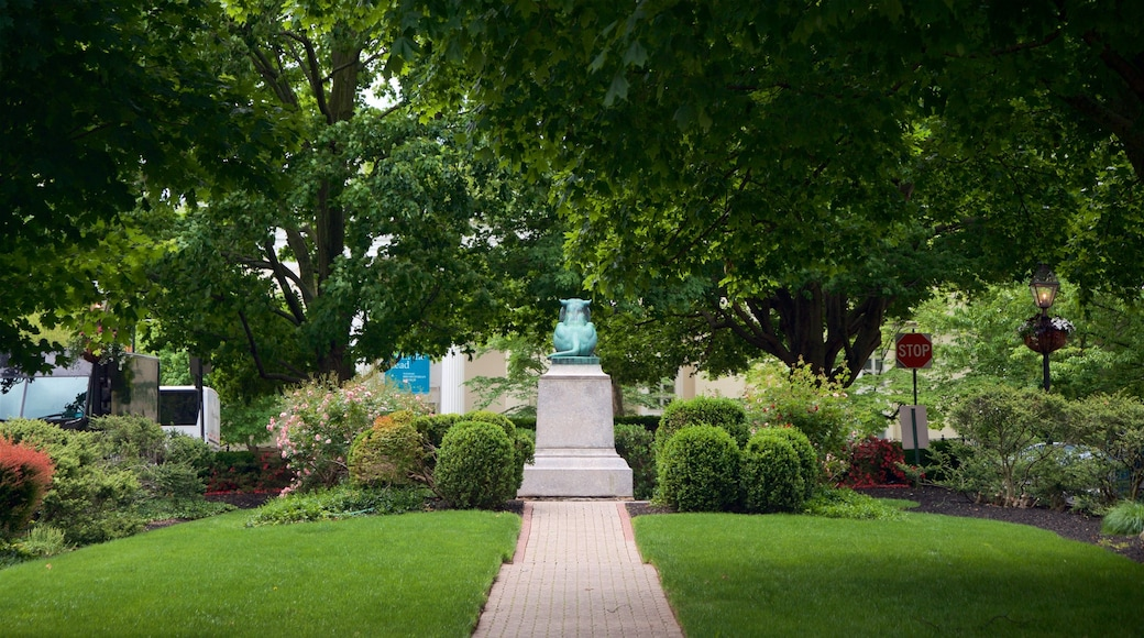 Palmer Square featuring a park and outdoor art