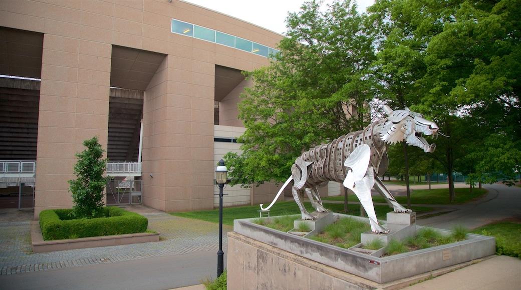 Princeton University Stadium mostrando arte ao ar livre e um parque