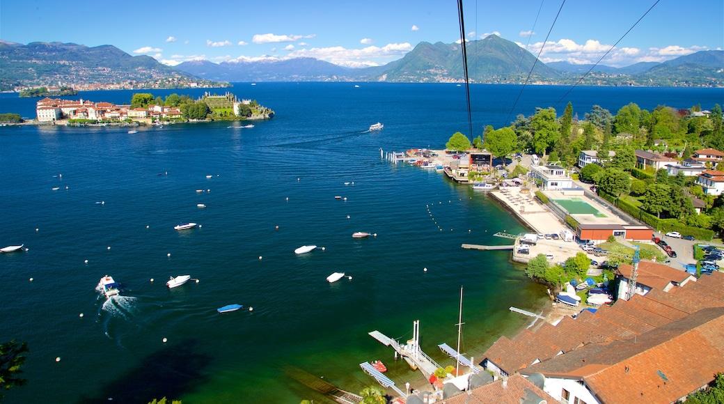 Funivia Stresa-Alpino-Mottarone qui includes vues d\'île, ville côtière et baie ou port
