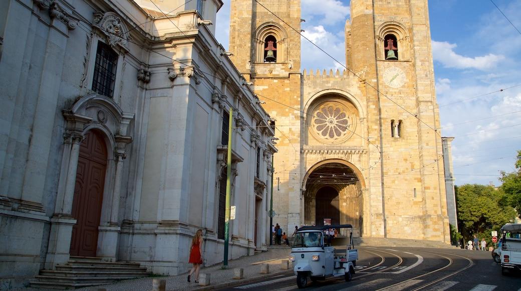 Catedral de Lisboa mostrando arquitetura de patrimônio