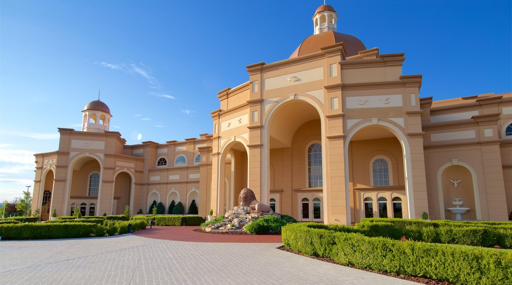 Sight and Sound Theatres featuring heritage architecture, a park and outdoor art