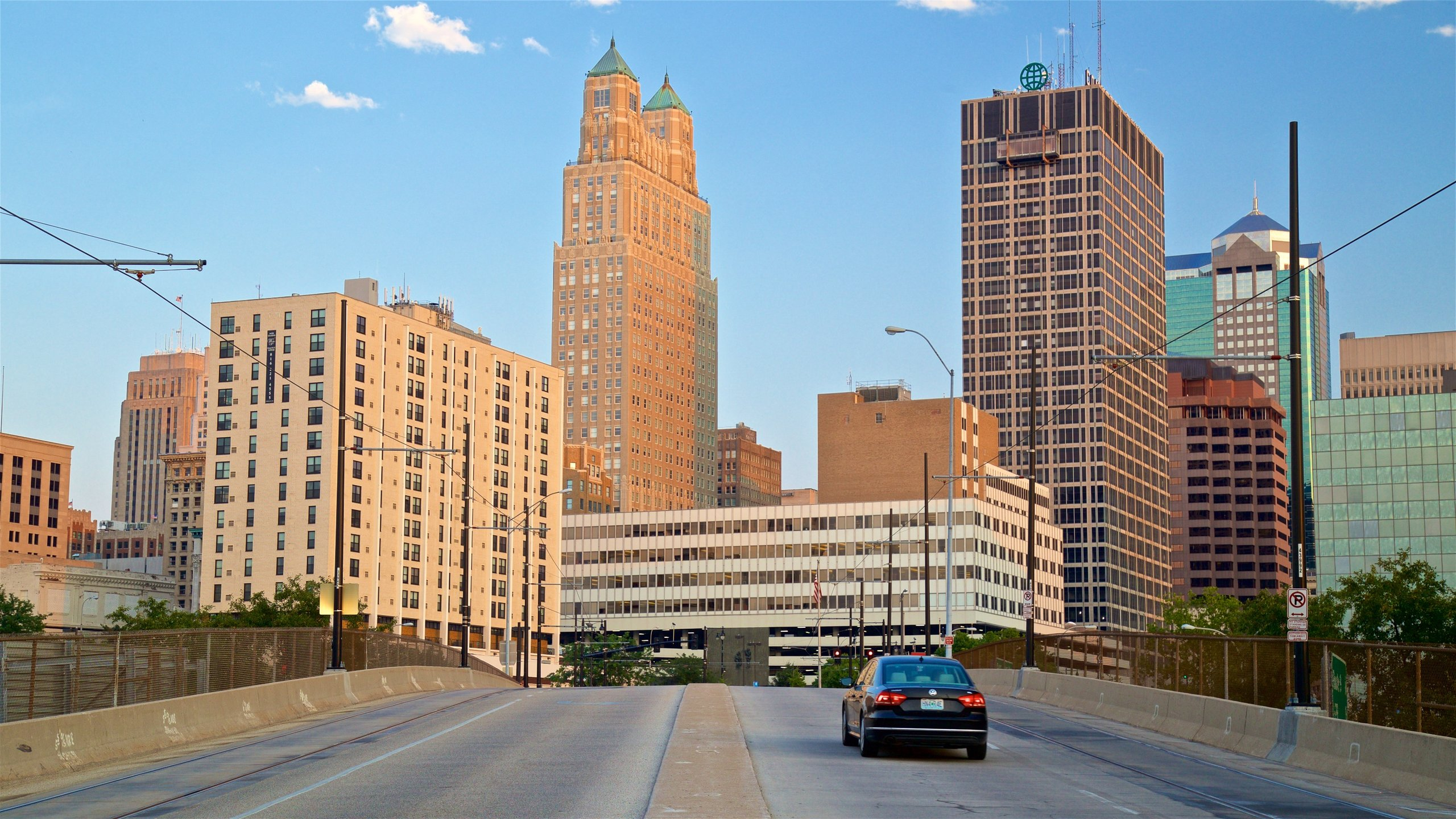 10 best hotels with balconies in downtown kansas city for. Black Bedroom Furniture Sets. Home Design Ideas