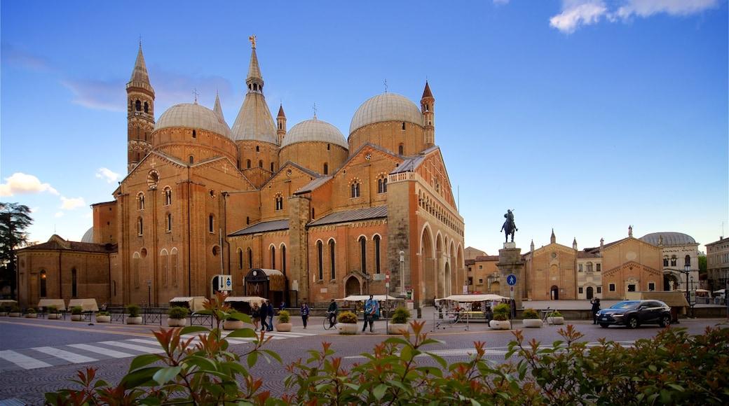 Basilica di Sant\'Antonio da Padova which includes heritage architecture and a sunset