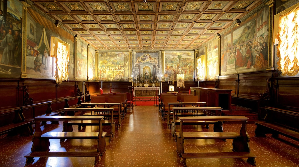 Scoletta del Santo featuring interior views, heritage elements and religious elements