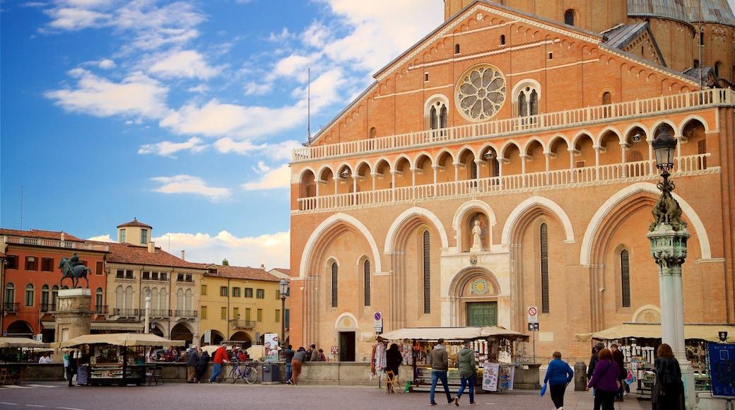 Basilica di Sant\'Antonio da Padova featuring a church or cathedral, street scenes and heritage architecture