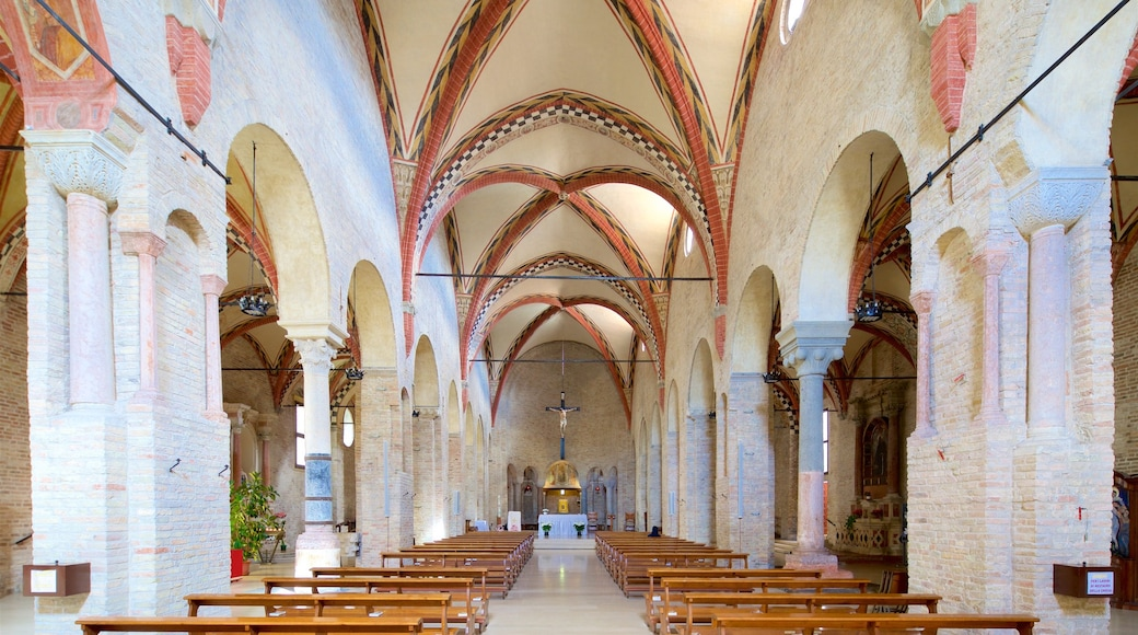 Santa Sofia showing interior views, a church or cathedral and heritage elements