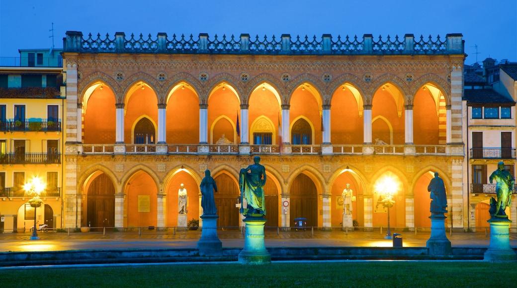 Prato della Valle featuring heritage elements, a statue or sculpture and night scenes