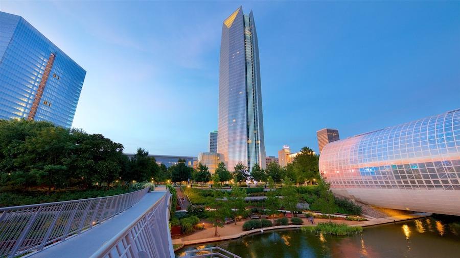 Oklahoma City featuring auringonlasku, joki tai puro ja kaupunki