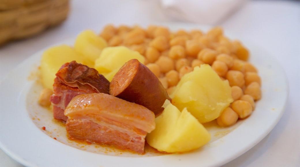 Oviedo mostrando comida