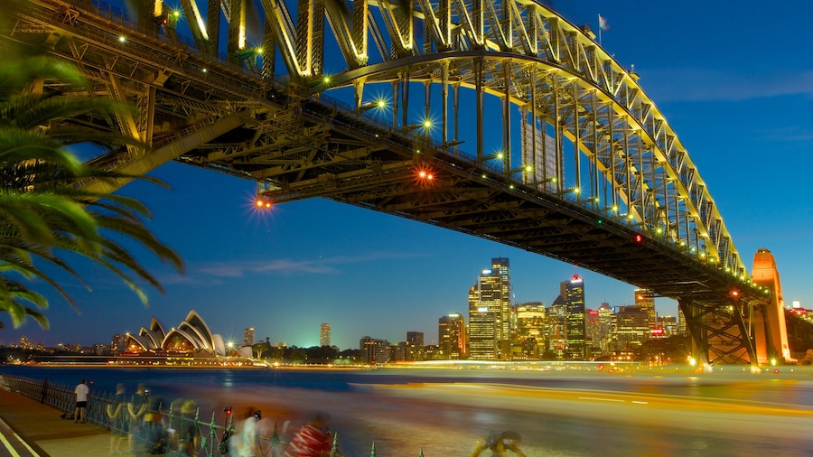 Sydney which includes a city, night scenes and modern architecture