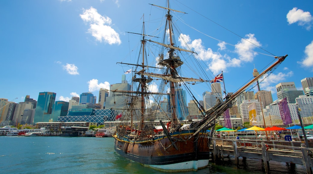 Darling Harbour which includes a marina, a city and skyline