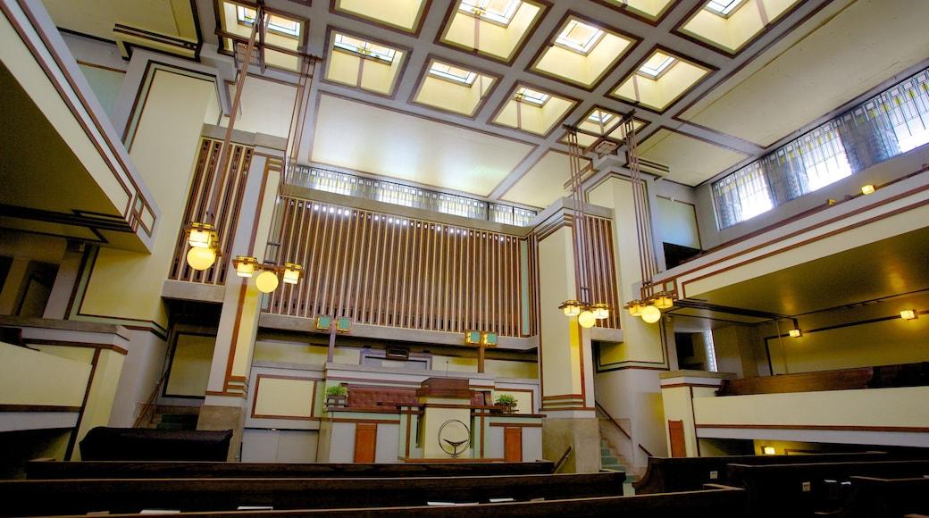 Unity Temple ofreciendo una ciudad, un templo o lugar de culto y vistas interiores