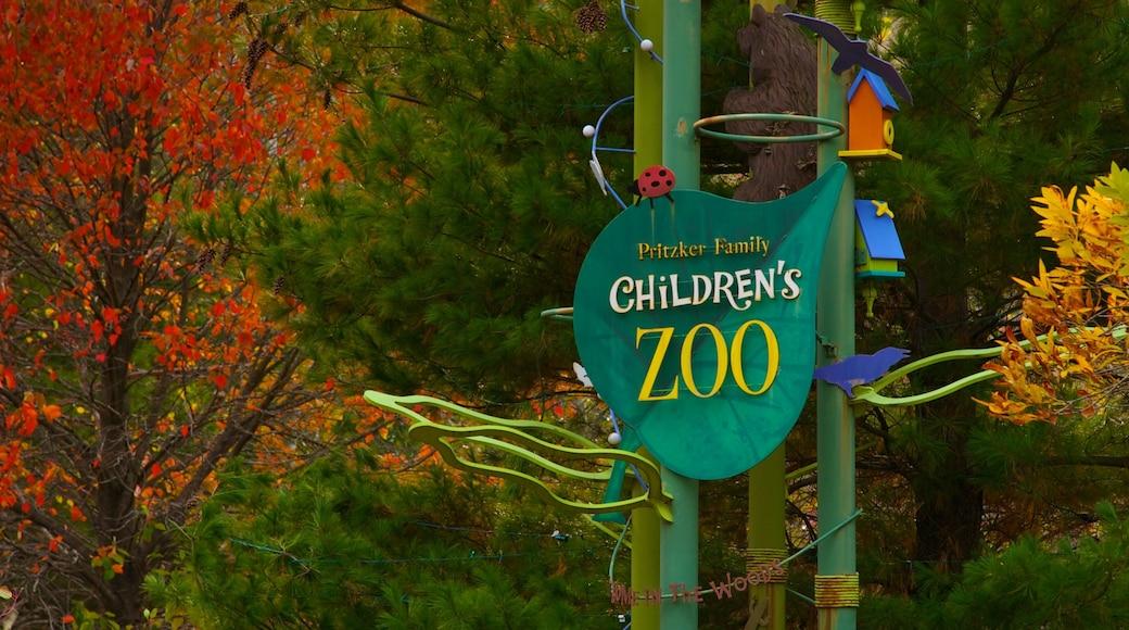 Lincoln Park Zoo caracterizando sinalização e folhas de outono