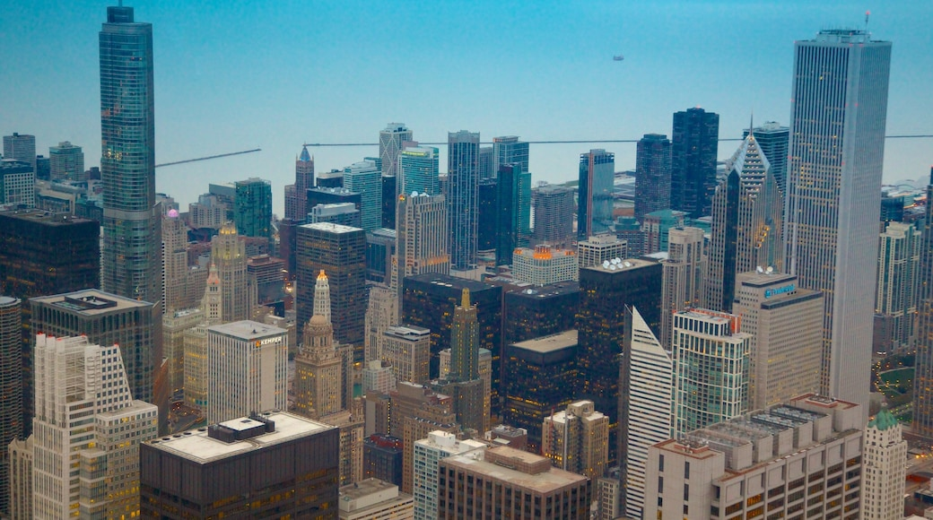 Willis Tower showing modern architecture, a skyscraper and a city