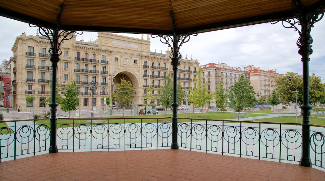 Banco Santander featuring interior views, heritage architecture and a park