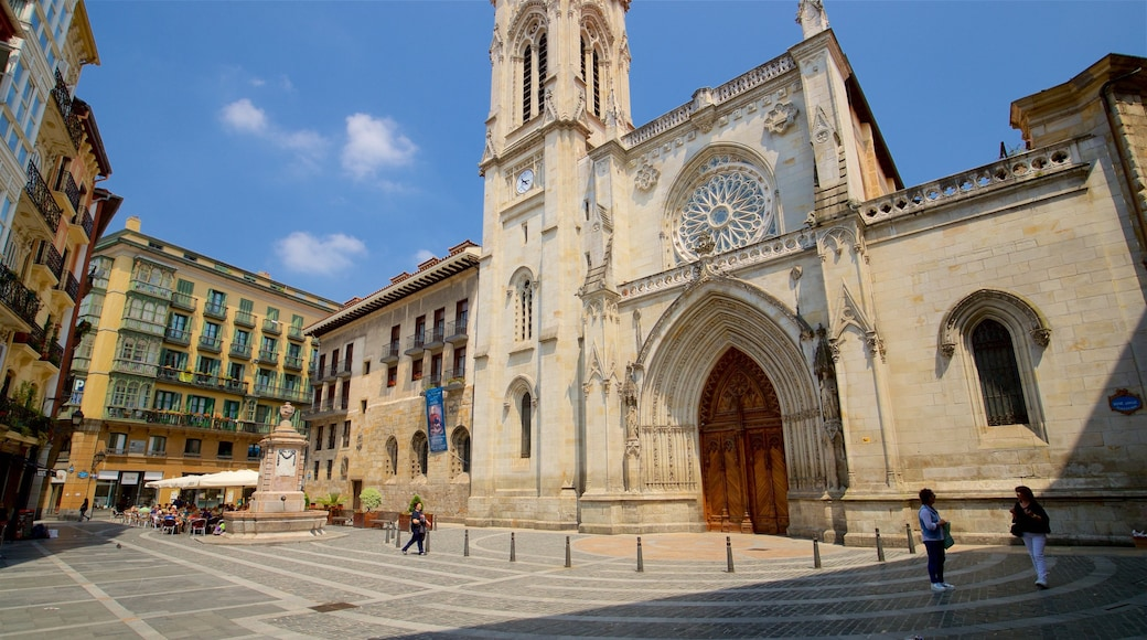 Santiago Cathedral showing heritage architecture and a church or cathedral