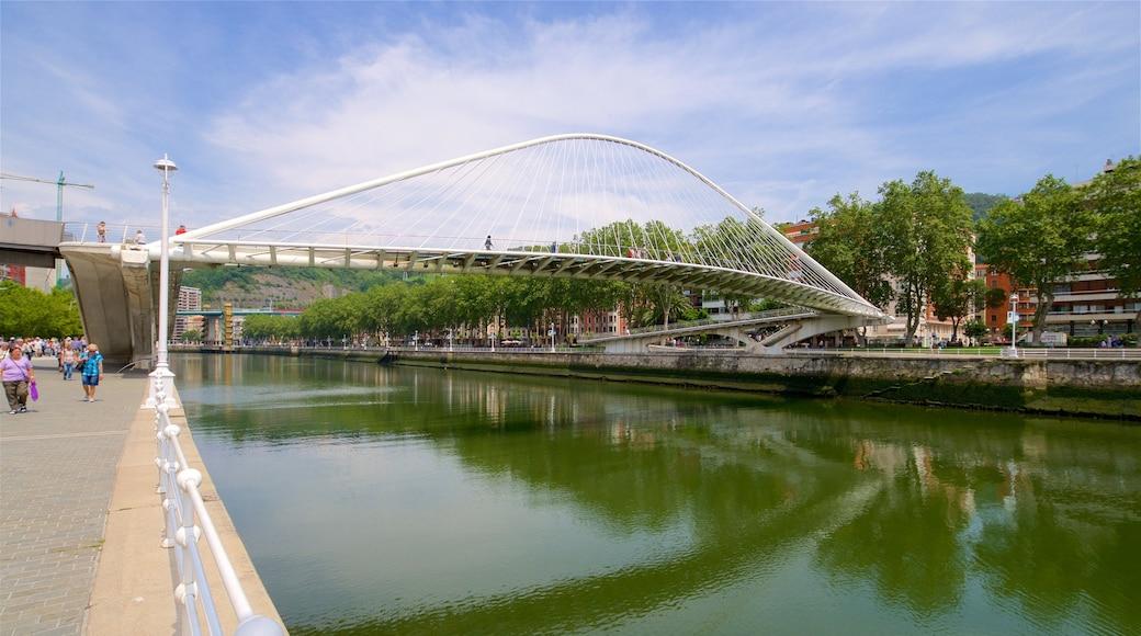 Zubizuri-Brücke das einen Brücke und Fluss oder Bach