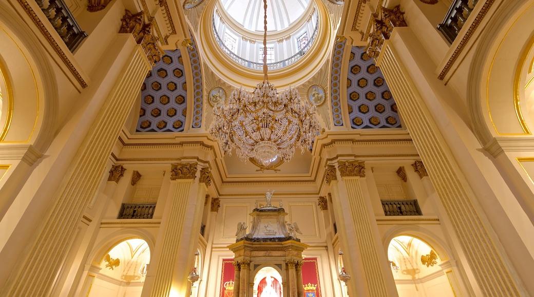 Paroisse San Lorenzo mettant en vedette patrimoine historique et vues intérieures