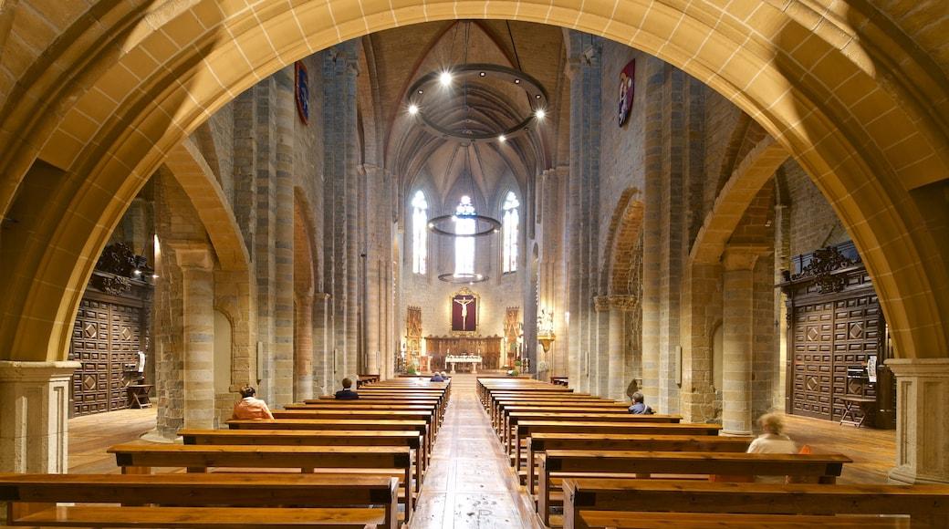 Église San Nicolás mettant en vedette patrimoine historique, église ou cathédrale et vues intérieures