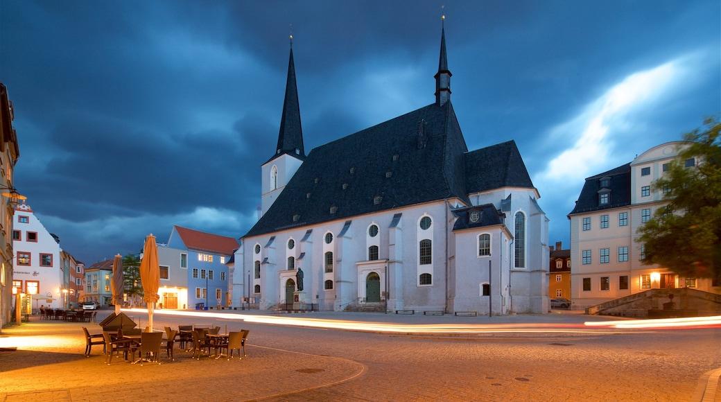Stadtkirche St Peter und Paul welches beinhaltet Kirche oder Kathedrale und bei Nacht