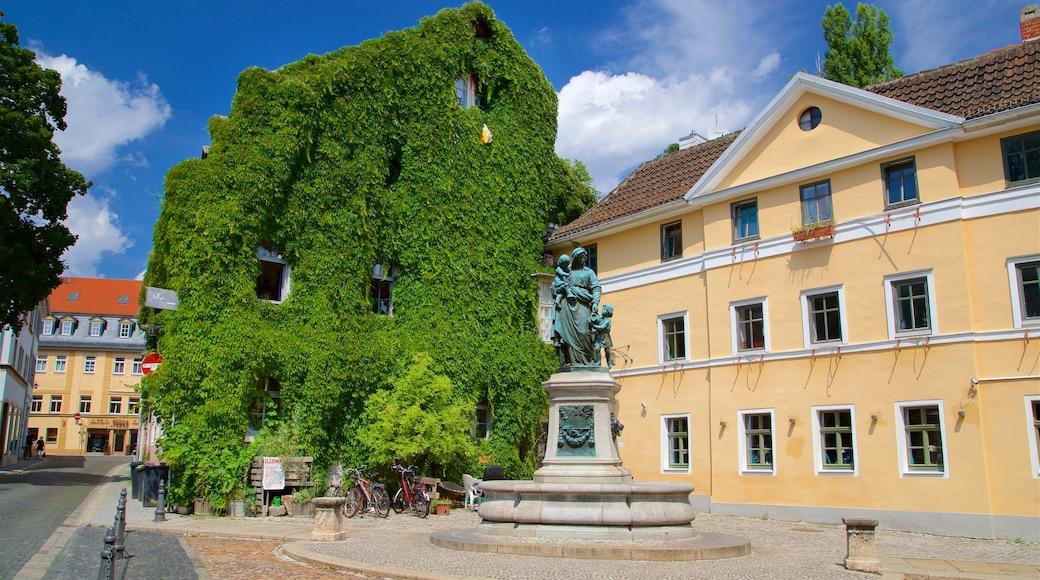 Weimar welches beinhaltet Statue oder Skulptur und Springbrunnen
